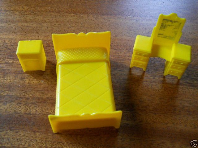 MARX Lot of Yellow Bedroom Furniture for Renwal Dollhouse #Marx