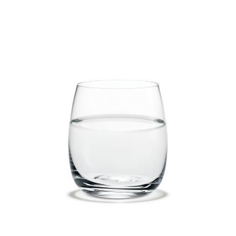 The tumbler in Michael Bang's Fontaine range has a volume of 24 cl and is a good size for both still and sparkling water, a cold after-dinner drink or breakfast juice.   #holmegaard #fontaine #tumbler