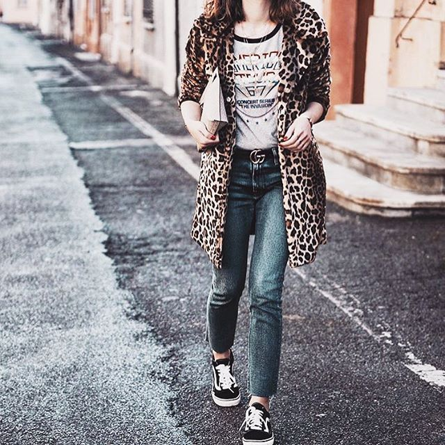 ✖Me encanta✖Buenas noches😊😘 ✖Love It✖#inspiration #blogger#nickyinsideout #perfectoutfit #winter #streetstyle #streetfashion #leopard #levis #vans ▪️VIA: @nickyinsideout