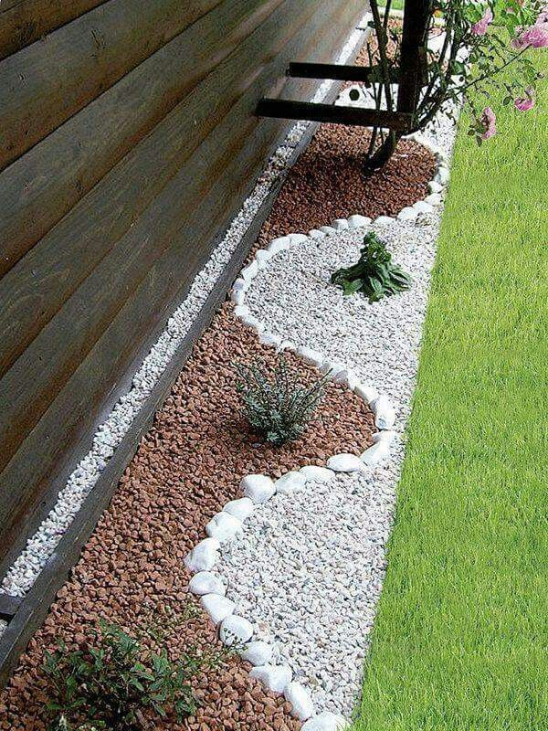 Decorating with stones. Love it.