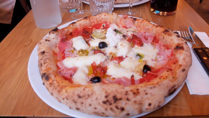 «J'ai trouvé la meilleure pizzeria de Paris, aussi bonne qu'à Naples.» Oui, ok, cette phrase sortie de la bouc