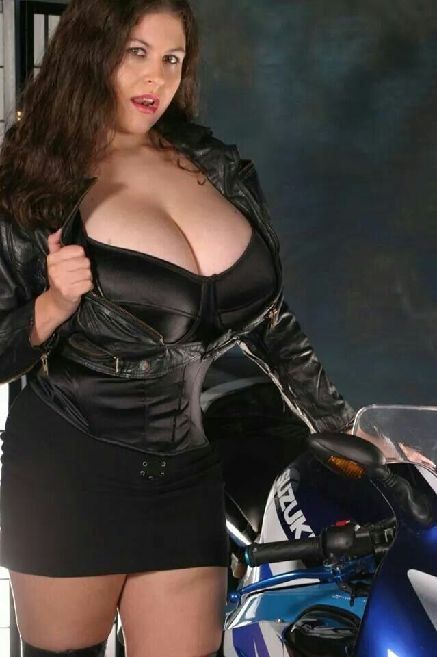 Denise Davies Huge Tits 27