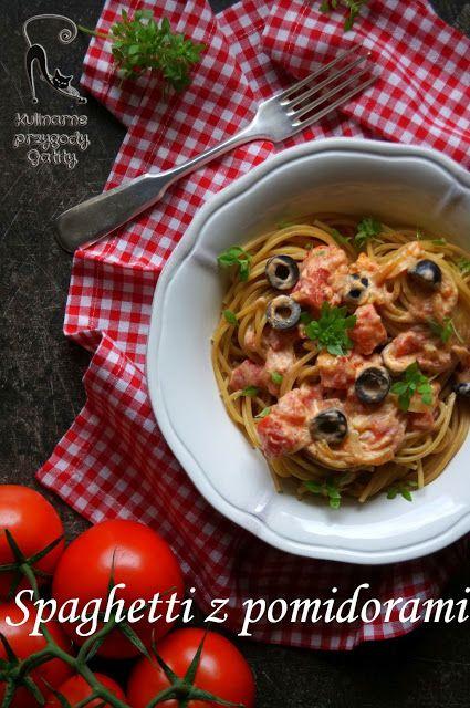 Kulinarne przygody Gatity: Spaghetti z pieczonymi pomidorami i oliwkami