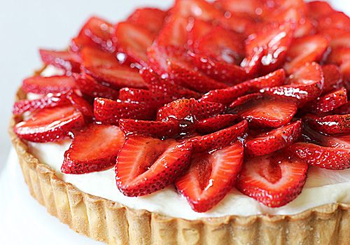 Strawberry and White Chocolate Mousse TartGalley Gourmet, Gourmet Food, Mousse Tarts, Yummy Food, Yummy Things, Summer Desserts, White Chocolates Mousse, Strawberry Tarts, Strawberries Tarts