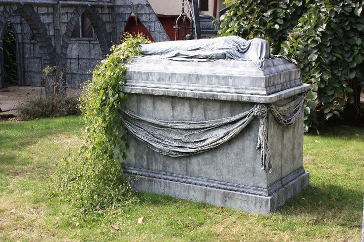 "Monumental Crypt with Draped Figure - from Davis Graveyard - - I'm thinking that if I designed and built something like this in just the right way, it could serve as a very good storage box for other graveyard decor during the ""off"" season."