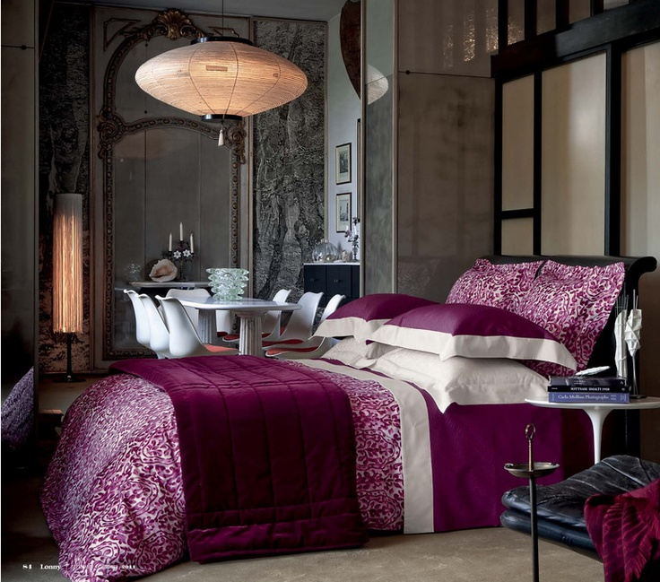 what a beautiful bedroom  found on Lonny Magazine  an online  decorating design mag. Best 25  Magenta bedrooms ideas on Pinterest   Jewel tone living