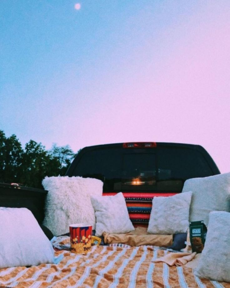 Looks so cozy and comf ooh Follow for more aesthet…