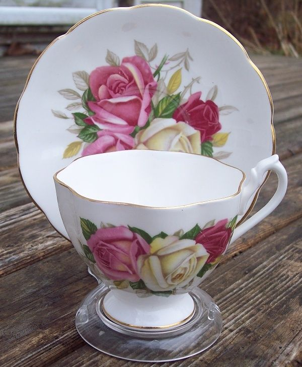 Queen Anne Roses Tea Cup & Saucer Set Excellent Condition, Gift Idea