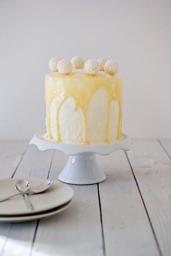Layer Cake Raffaello®.  Gâteau fais pour mon anniversaire 2014 et on c'est régalé à la maison. Trop bon ♥ ♥