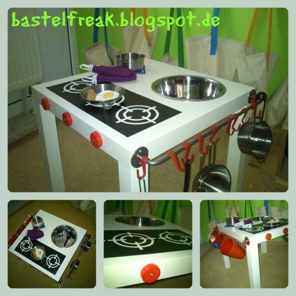 für Ostern oder zum Geburtstag oder nur so zum spielen, die kleine Kinderküche ist schnell fertig und kostet nicht mal 25 €.  http://bastelfreak.blogspot.de/2014/03/kleine-kinderkuche.html