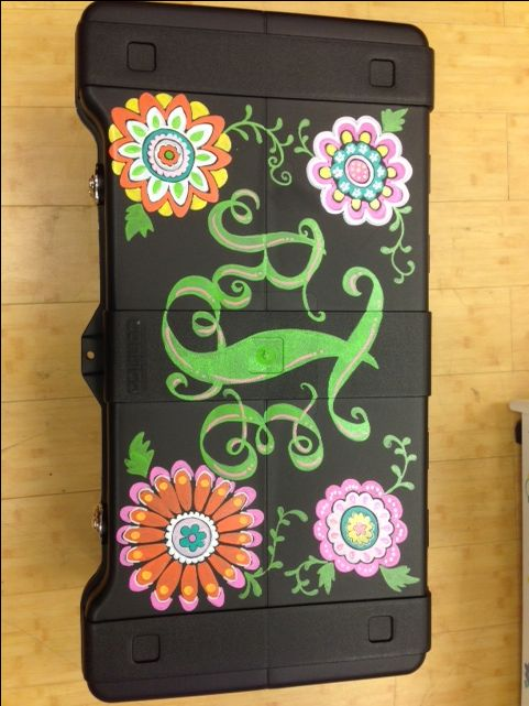Hand painted camp trunks! All camp trunks are hand painted by our in house artist. You pick your font and design! If interested in custom camp trunks contact Be-Dazzled: 972 549 2111 *Trunks must be brought into Be-Dazzled's physical store, this item cannot be shipped*
