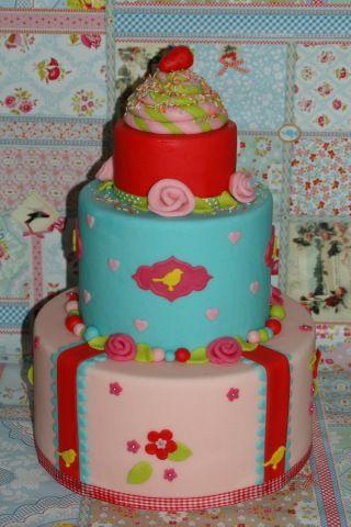"""Beautifull """"PIP studio"""" style cake"""