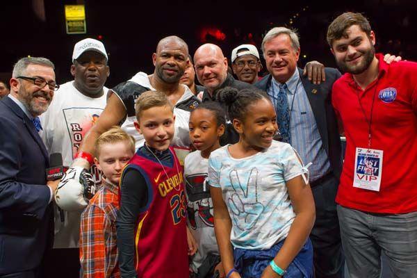 Roy Jones Jr. victorioso en su despedida del boxeo #Espanol #allthebelts #boxing