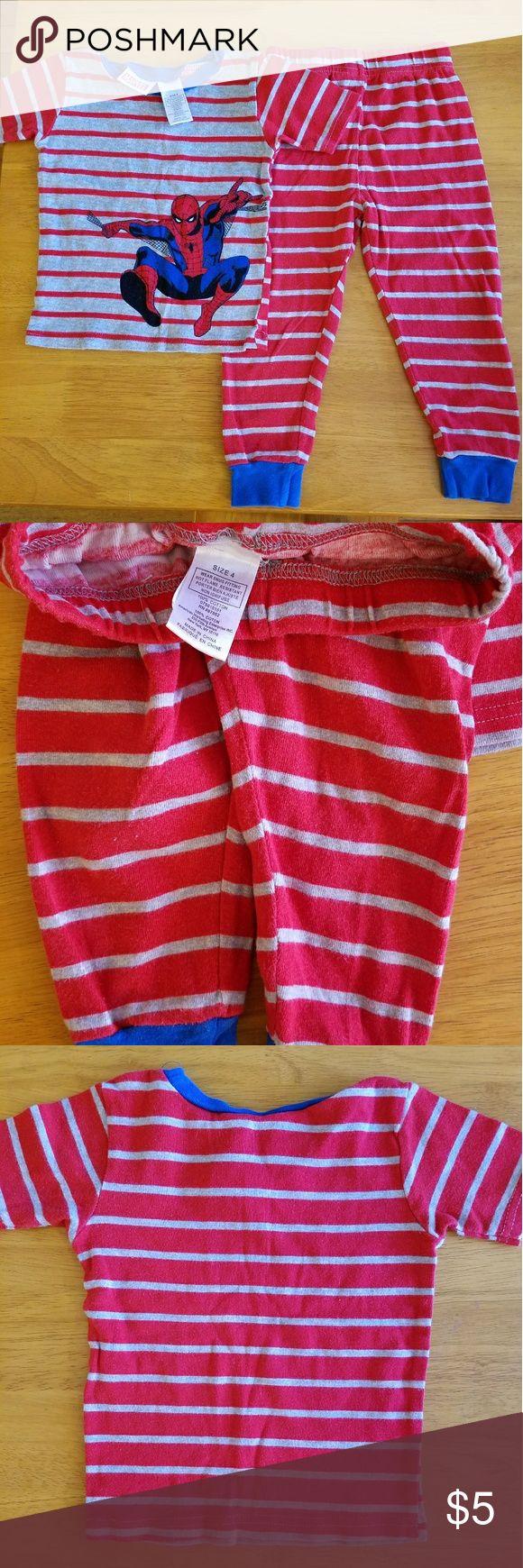 Marvel Boys Spiderman Pajamas size 4 Marvel Boys Spiderman Pajamas  Size 4 100% Cotton EUC From a smoke-free and pet-free home Marvel Pajamas Pajama Sets