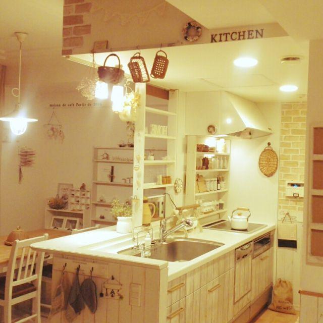 tomoさんの、夜キッチン,リメイクシート,マンション感を消したい,ナチュラル同盟♡,DIY,アメブロやってます♪,板壁DIY,Kitchen,のお部屋写真