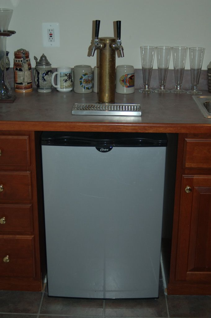 17 best images about kegerator on pinterest build your own bar diy bar and diy kegerator Home bar furniture with kegerator