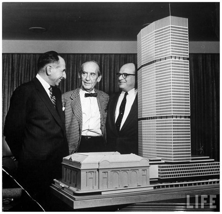Builder Emory Roth (L), w. Walter Gropius (C) and Erwin Wolfson (R) w. model of proposed PanAm (now metlife) building 1959. Photo: Andreas Feininger  #gropius #panam