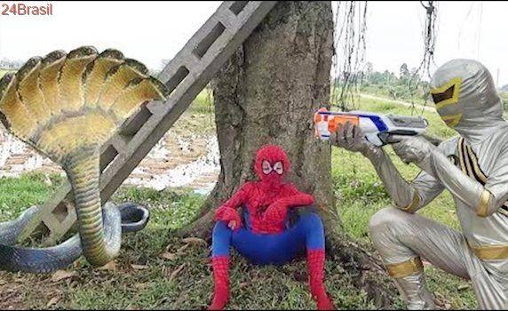 Superheroes Galaxy war Spiderman vs Power Rangers Nerf gun Snake Five head Zombie Nerf war Cosplay