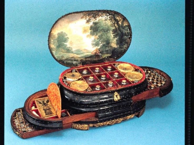 The tiny traveling medicine chest of Vincenzo Giustiniani, for those times when you just have a little headache.