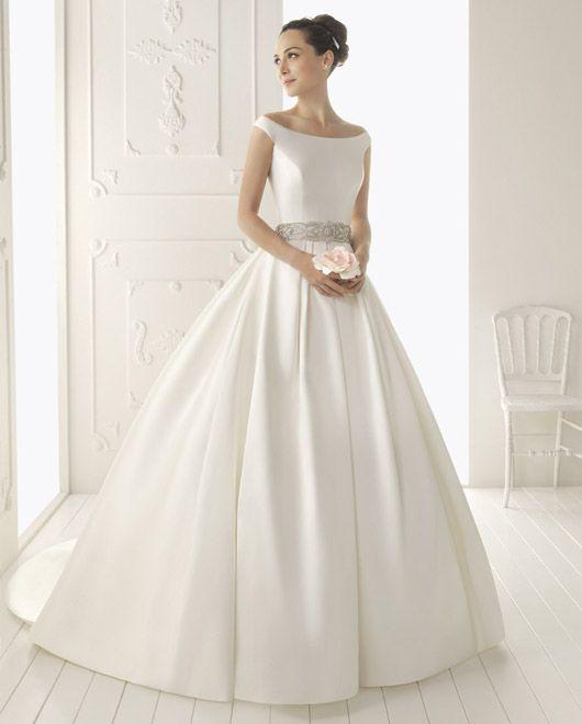 Vestidos de novia de Aire Barcelona {Colección 2013 · Modelo, Riaz} #vestidosdenovia #weddingdresses #tendenciasdebodas