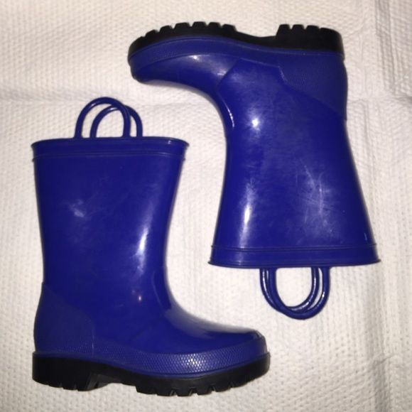 Little Kids Rain Boots Nice rain boots...need a good wipe down but in good shape!  Accepts offers but no trades. Shoes Winter & Rain Boots