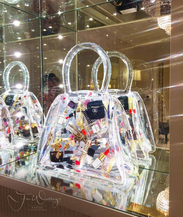 Wir haben den #Durchblick Kein ewig langes Suchen mehr nach Kleinkram in unserer #Handtasche #fineweddings #fashion #fashionblog #fashionblogger_de #fashionbloggerstyle #fashionbloggers #chanel @fairmont_hotelvierjahreszeiten #welovehh #handbags #luxurytravelblog #luxury #luxurylife #hamburgblogger #travelinstyle