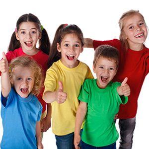 Kursy dla dzieci 8 - 13 lat  Multimedialne lekcje angielskiego są różnorodne i ciekawe. Takie zajęcia znacznie bardziej angażują uwagę uczniów, równocześnie ułatwiając i przyśpieszając zapamiętywanie nowych treści.