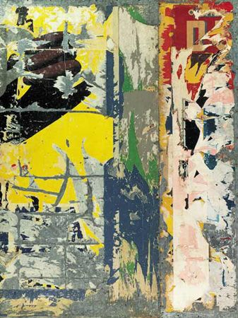 Raymond Hains, Panneau d'affichage, 1960. Affiches lacérées sur panneau de tôle galvanisée, 200 x 150 cm. Achat de l'Etat 1960, dépôt du FNAC. AM 1976 dép.19. © Adagp, Paris.
