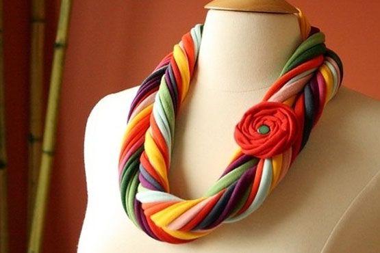 Como fazer colares de tecido ou trapilho - Dicas de Mulher                                                                                                                                                     Mais