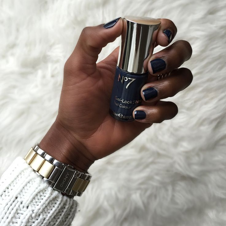 Perfect nail polish colour for Fall it can even become a party fav