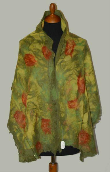 szal filcowany zielony oliwka nunofelt, nunofilc w hand made by justka na DaWanda.com