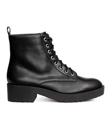 cool vegan boots for winter #vegan