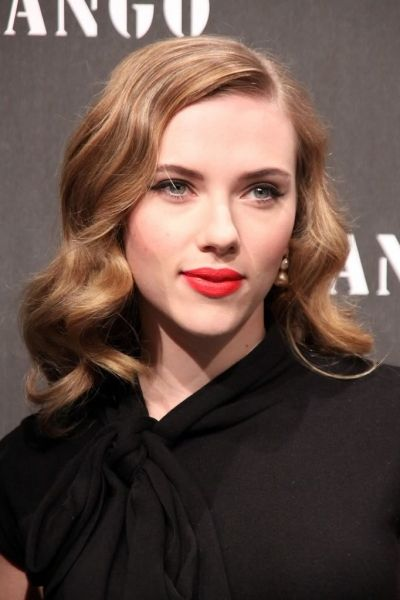 Google Image Result for http://img.ezinemark.com/imagemanager2/files/30003693/2011/02/2011-02-14-14-45-14-6-classic-hollywood-hairstyle.jpeg