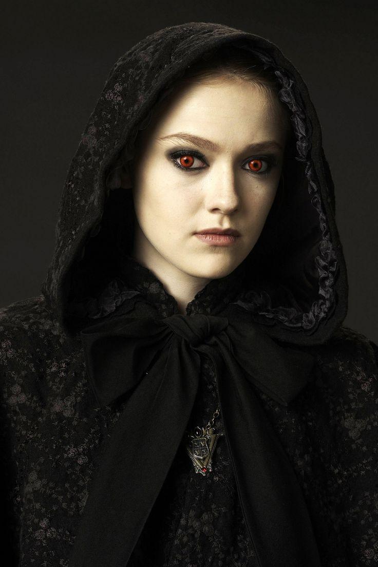 Dakota fanning jane pain twilight vampire movie for New moon vampire movie