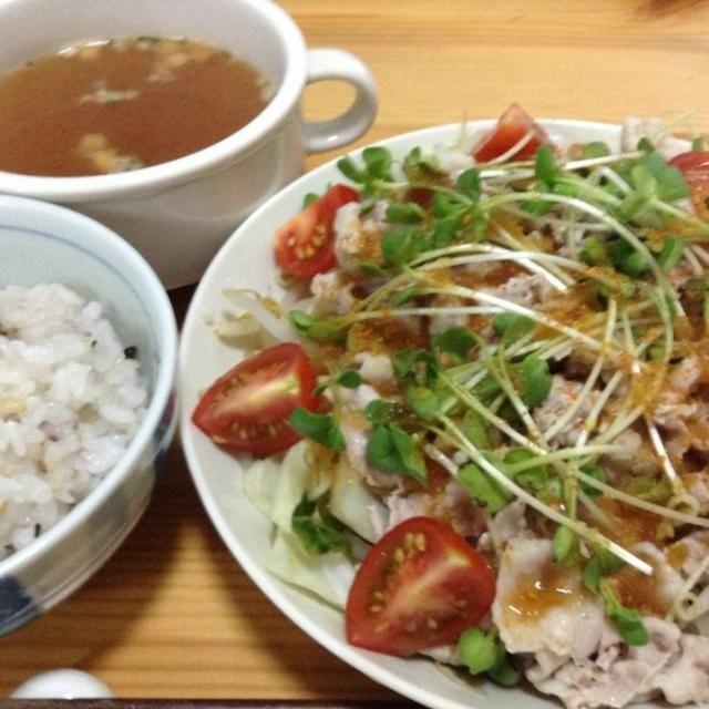 おろしポン酢でサッパリと。 - 5件のもぐもぐ - 豚肉と温野菜しゃぶサラダ風、オニオンスープ by SasaMasa213