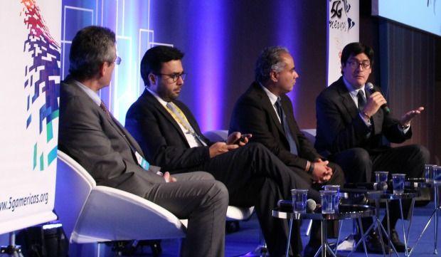 Regulation Panel - 5G Americas - Wireless Technology Summit - Futurecom 2016 Manuel Ruiz (Sutel, Costa Rica), Gabriel Contreras (IFT, México), José Otero (5G Americas) y Pedro Huichalaf (Subtel, Chile)