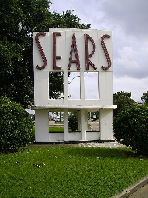 I love this vintage Sears sign, in Garden Oaks area of Houston...I went to this store as a child