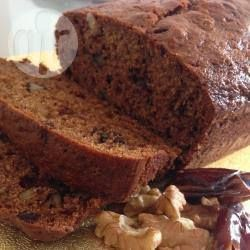Recipe photo: Delicious date and walnut loaf cake