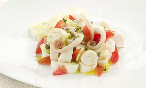 Oggi mi preparo una bella insalata di polpo con sedano e pomodorini http://www.mangiarbenesentirsinforma.it/mangiaBene/cucina_leggera/active/insalata_di_polpo_con_sedano_e_pomodorini.html #ricette #dieta
