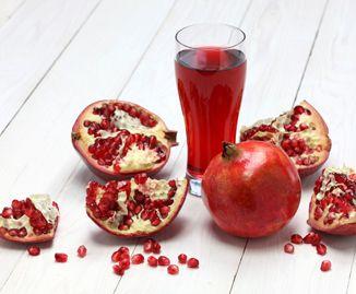 Depurarsi con i frutti rossi: il succo di melograno