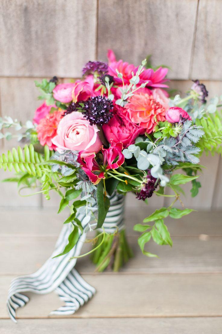 Best 25 pink bouquet ideas on pinterest bridal bouquets for Bright wedding bouquet