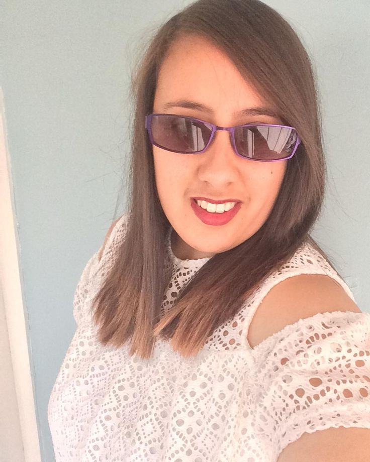 Today I'm wearing a beautiful lace detail top in white from @primark and lipgloss from @maybelline vivid matte liquid shade 45 possessed plum #matteliquidlipcolour #possessedplum #primark #top #lace #lipgloss #disabledmodels #irlensyndrome http://ameritrustshield.com/ipost/1549940040214163676/?code=BWCfkEwHrDc