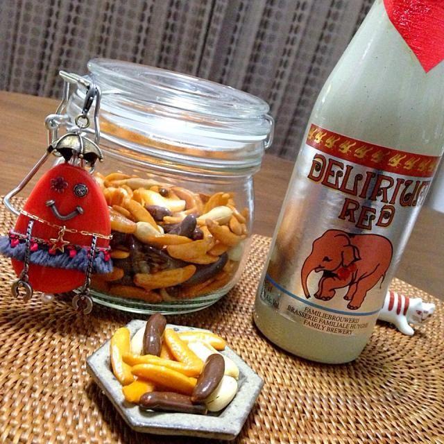 柿の種みたいなロボットちゃん( ̄▽ ̄)とチェリービールをww - 71件のもぐもぐ - 柿の種と柿の種チョコをMIX!(OvO)❤️ by nao子se川