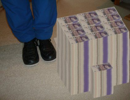 This is what one million pounds would look like in twenty pound notes!