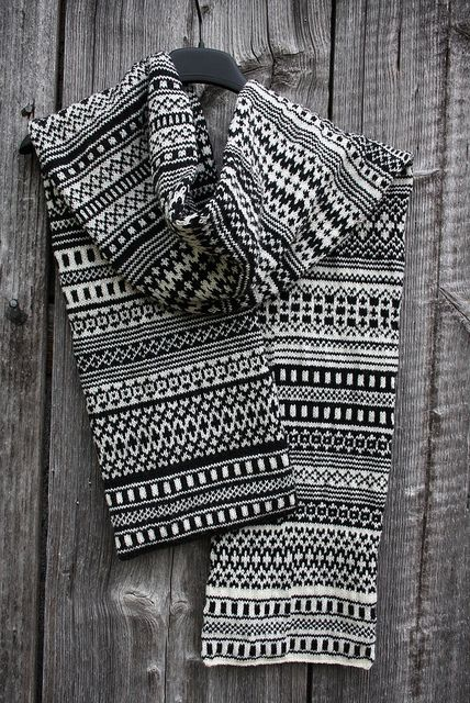 It's like a graphic colorwork sampler. Love this knitted scarf. This is unbelievable! Hand knitted!!