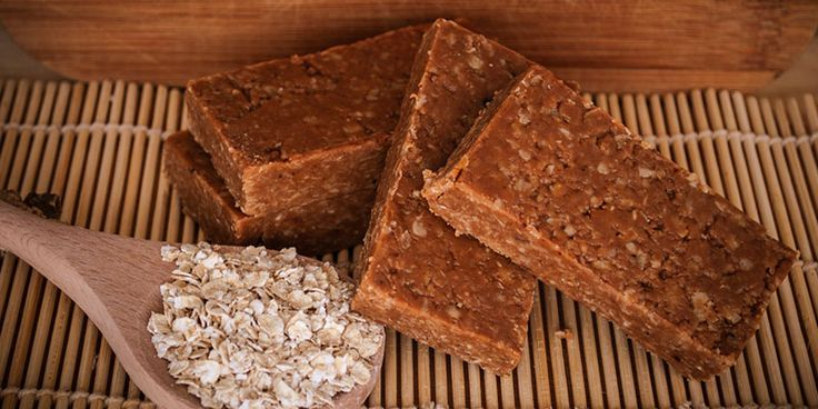No Bake Syntha-6 Protein Bars -  Ingredients: 1-1/3 cups chocolate/vanilla Syntha-6® protein powder. 1 cup rolled oats. 1-1/3 cups milk (low-fat/almond). 1/2 cup nut-butter (e.g., peanut/almond). 2 tspn vanilla extract.  Directions: Blend oats in a blender. Add milk, nut butter, vanilla to the oats and blend until smooth. Add protein powder to mixture and blend further. Transfer into 8 inch square baking tin lined with parchment paper. Cover and refrigerate overnight until firm. Cut into…
