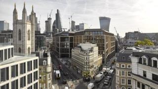 """Un edificio que """"respira"""" en el corazón de Londres: así son por dentro las oficinas de Bloomberg, las """"más verdes"""" del mundo - https://www.vexsoluciones.com/noticias/un-edificio-que-respira-en-el-corazon-de-londres-asi-son-por-dentro-las-oficinas-de-bloomberg-las-mas-verdes-del-mundo/"""