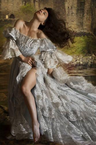 stunning gown...  ZsaZsa Bellagio: Gorgeous Time
