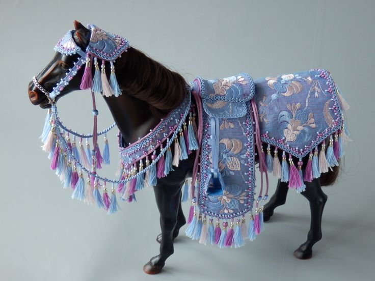 Blue Arabian costume for Sindy horse. Made by Juditheart 2018