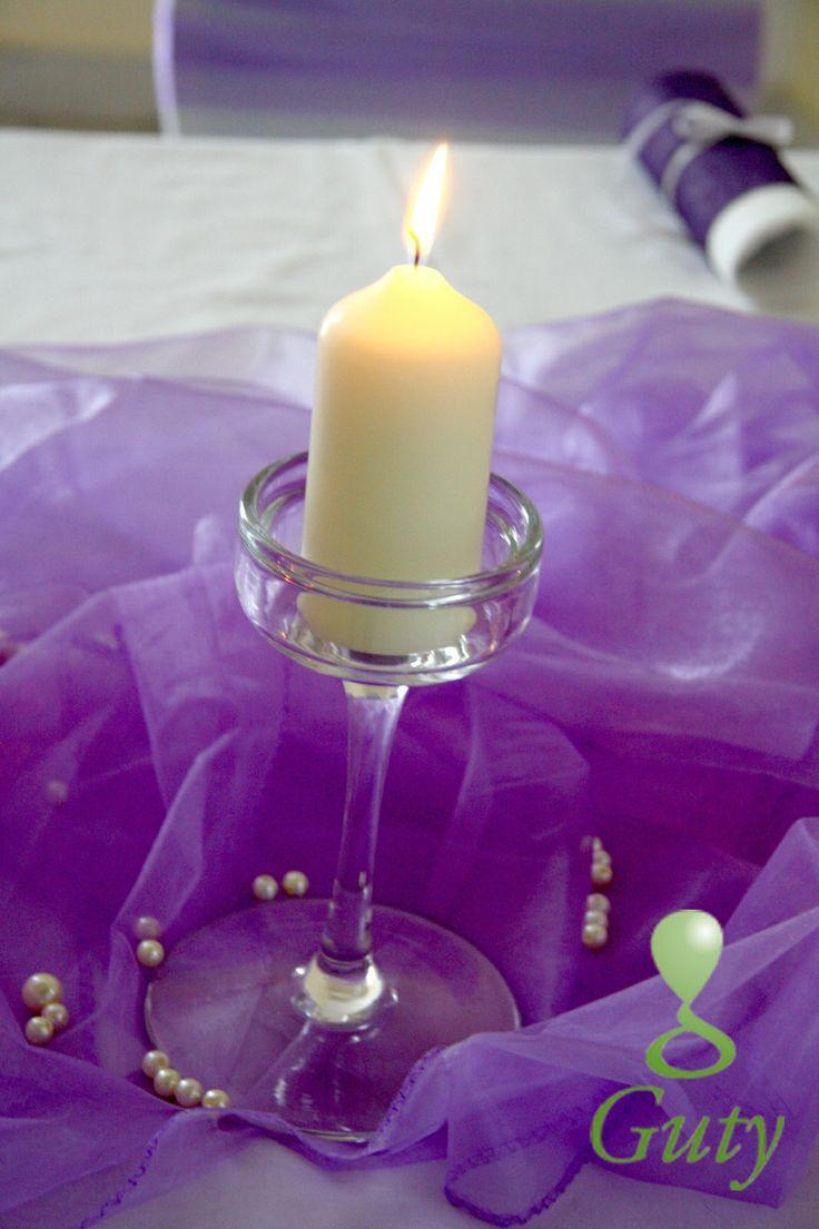 Farebné oživenie celkového svadobného štýlu, no pri zachovaní minimalizmu :)